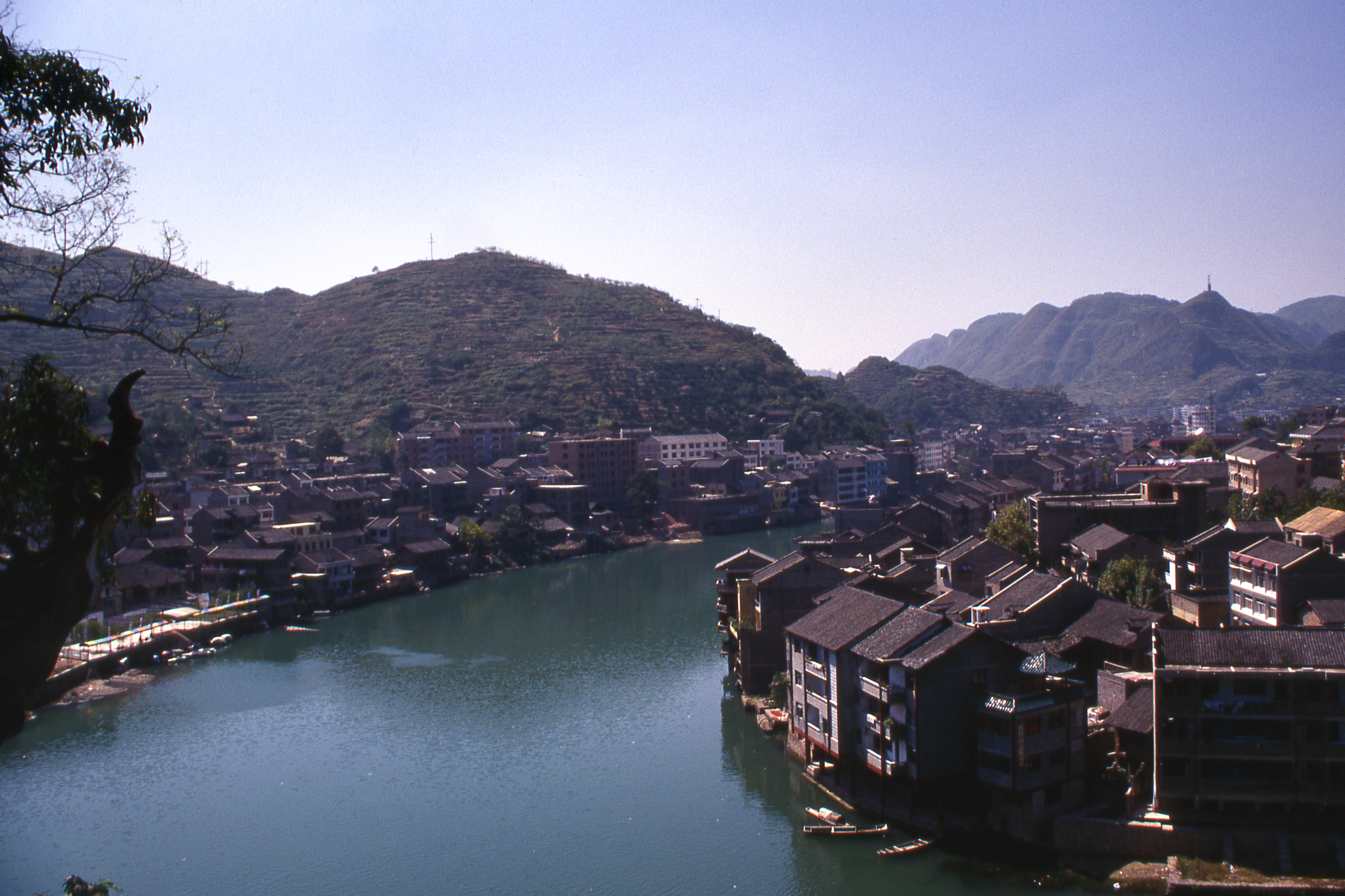 Zhenyuan (Guizhou) China  city photos : View over River Valley, Zhenyuan, Guizhou, China Click to Zoom